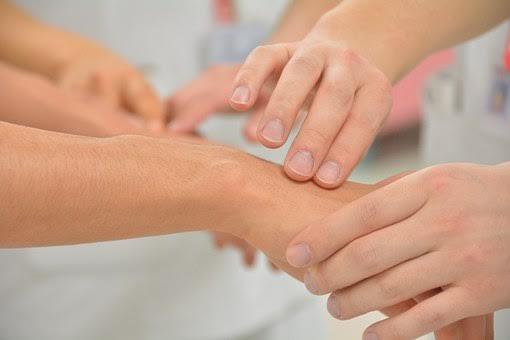 Nowoczesne metody leczenia zespołu cieśni nadgarstka